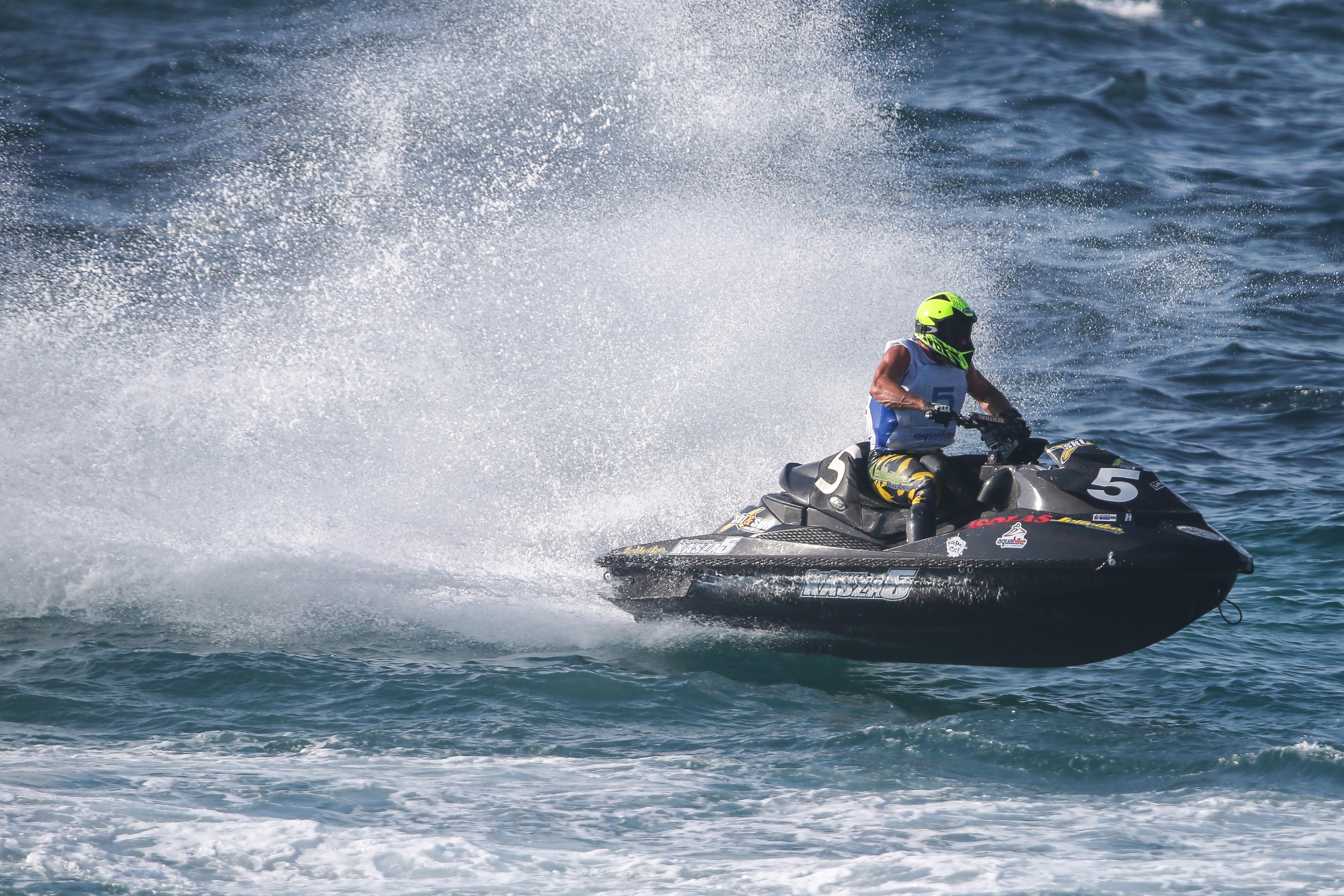 GYORGY KASZA HOLDS ON TO TAKE VICTORY IN RUNABOUT