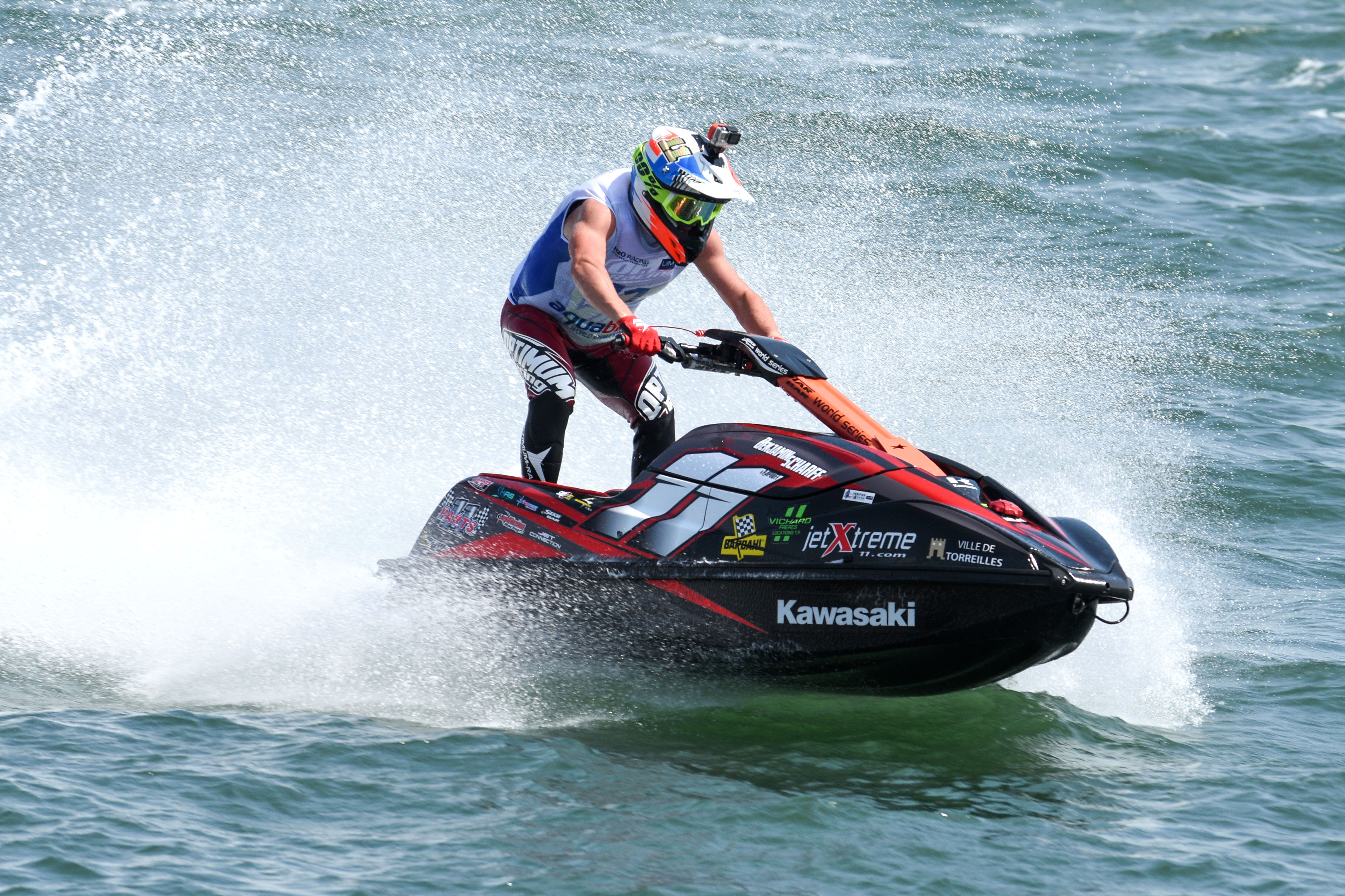 BENJAMIN SCHARFF TAKES UIM-ABP SKI GP2 WORLD TITLE