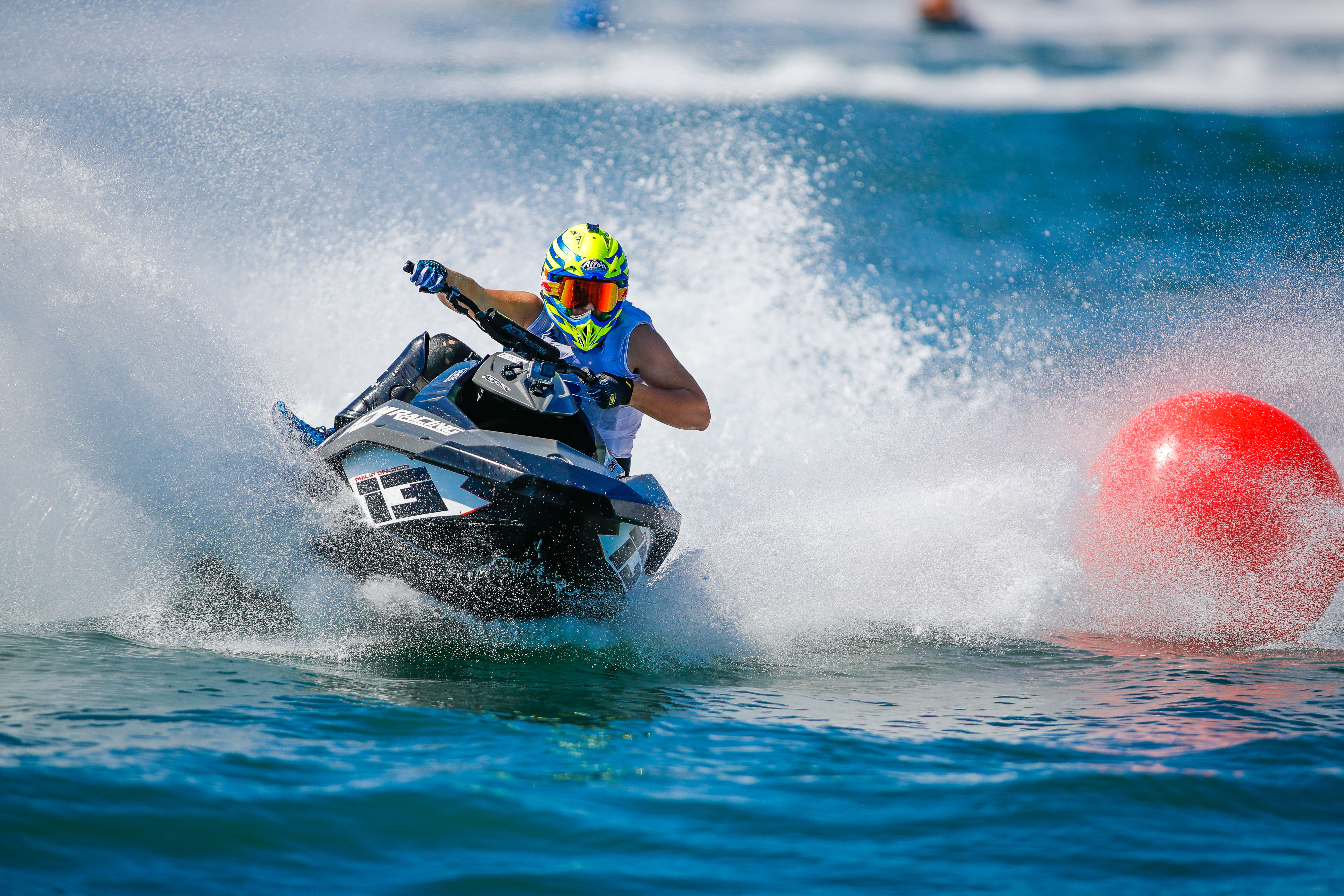 SALOBIR ON COURSE TO RETAIN RUNABOUT GP4 TITLE